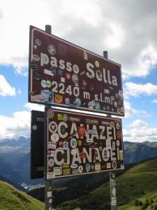 Passo Sella roadsign